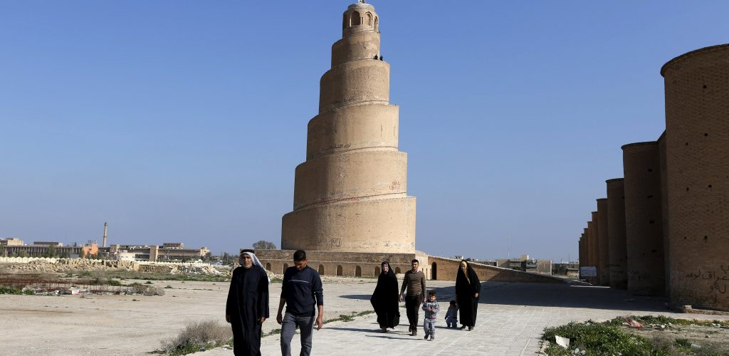 People visit the Spiral Minaret of the Great Mosque in Samarra, Iraq February 3, 2016. (Photo by Ahmed Saad/Reuters)