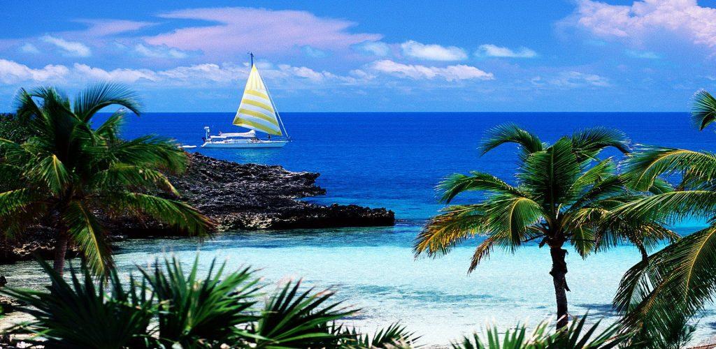 6912276-new-providence-island-bahamas