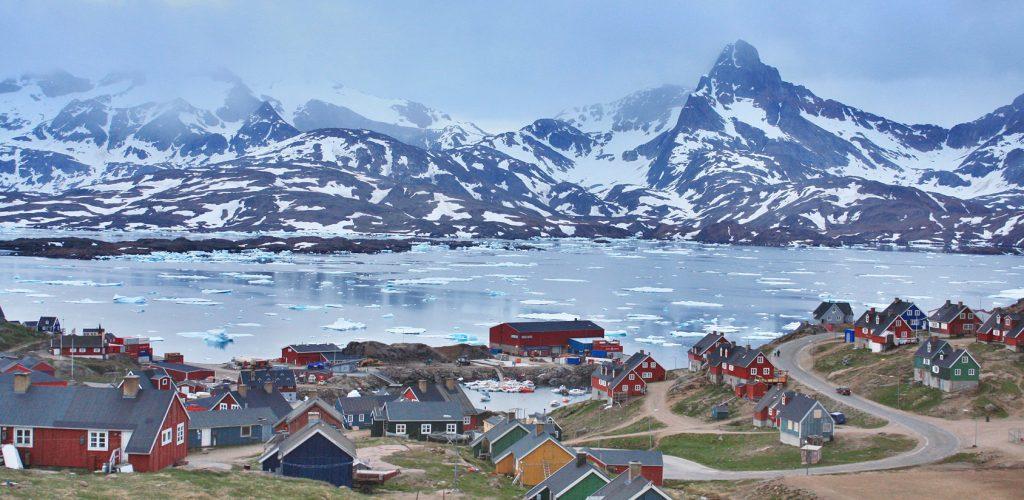 Tasiilaq_-_Greenland_summer_2009